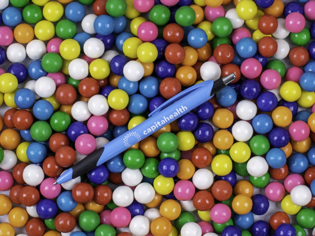 Wavaux promotional pen with gumballs