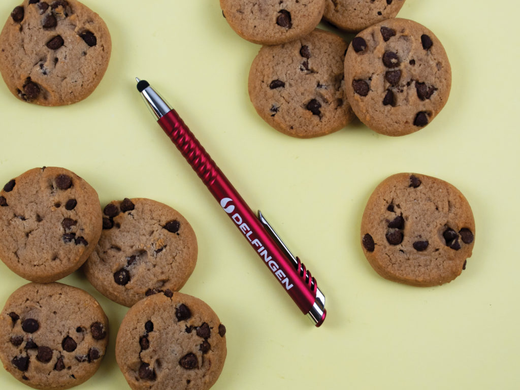 Nitrous Stylus pen with chocolate chip cookies