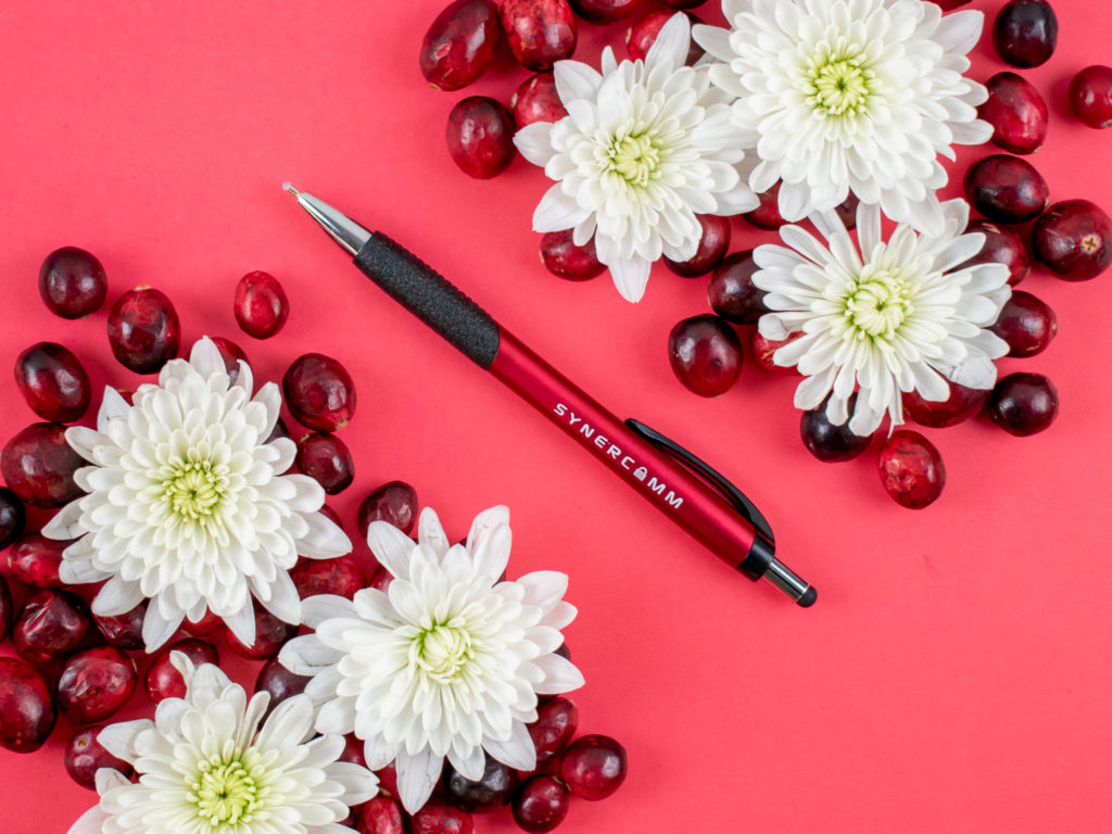 Mateo Stylus promotional pen with flowers and cranberries